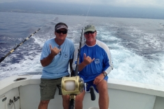 FISHING-MIKE-CRAIG-hang-loose-back-of-boat