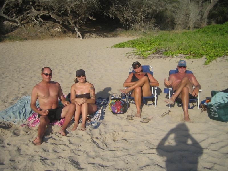 FRIENDS-MIKE-TERESA-JOHN-AMY-beach
